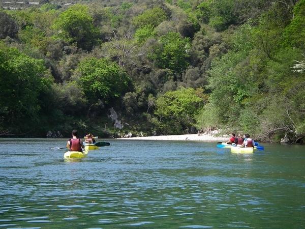 canoas campamento surf llanes