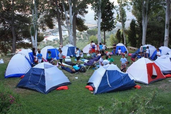 acampada en campamento surf llanes