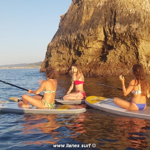 alumnas paddle surf en llanes