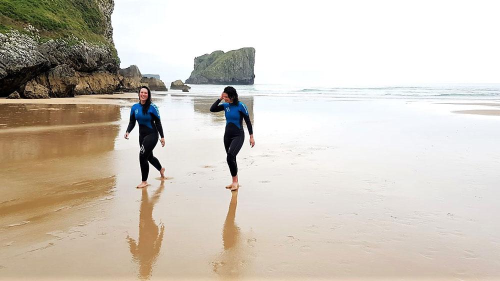 alquiler de trajes de neopreno surf llanes